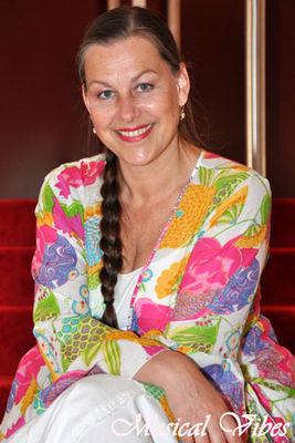 Yvonne Valkenburg nude 524